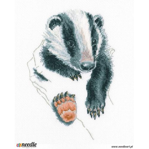 Badger in palms